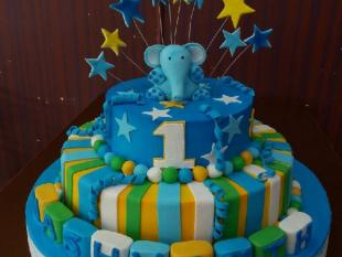 3-tier-birthday-cake-with-elephant-top