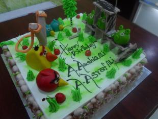 angry-birds-theme-cake