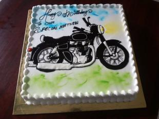 bullet-bike-cake