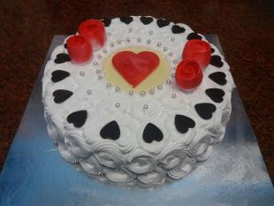 chocolate-hearts-n-flowers-cake