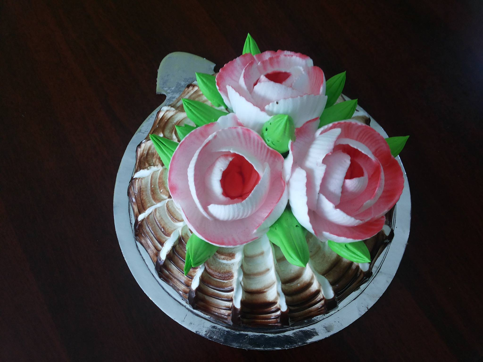 dome flower design cake