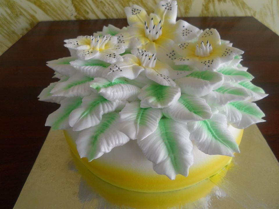 fancy flower top cake