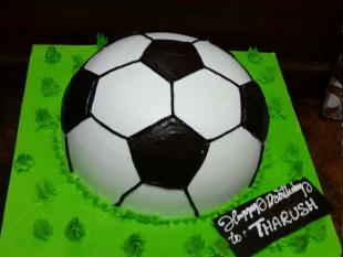 fresh-cream-ball-cake