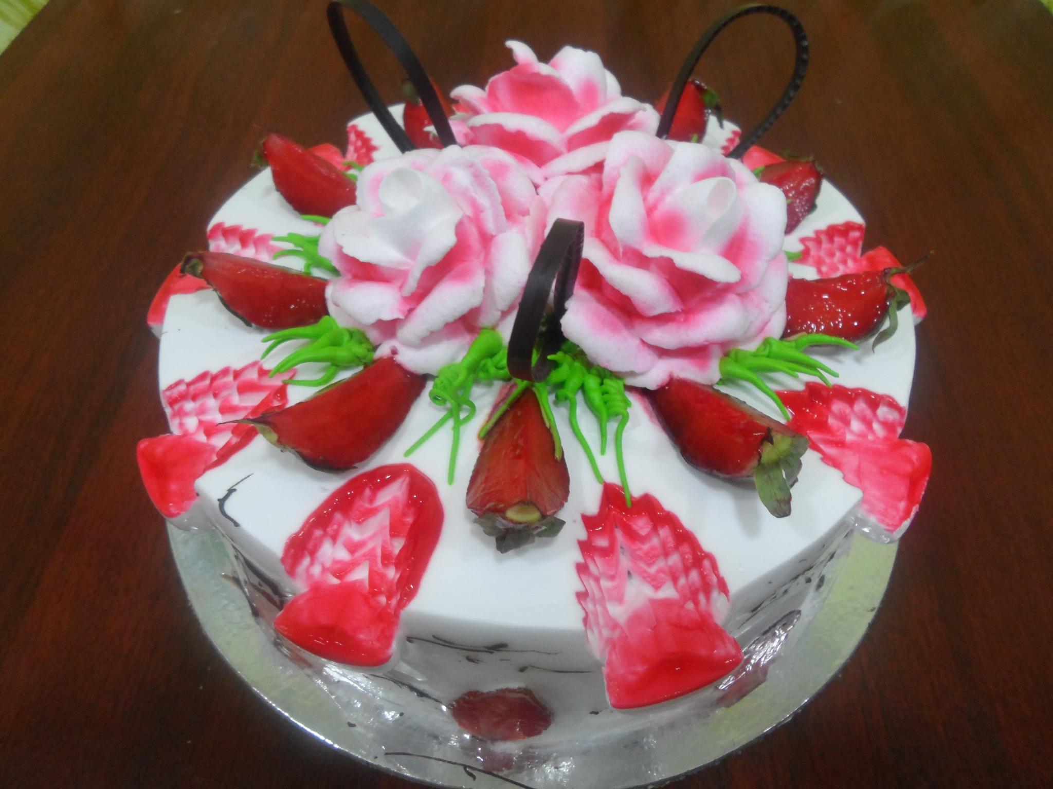 Fresh Strawberries cake