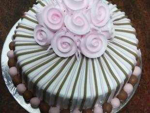 gala-flower-theme-cake-freshcreamz