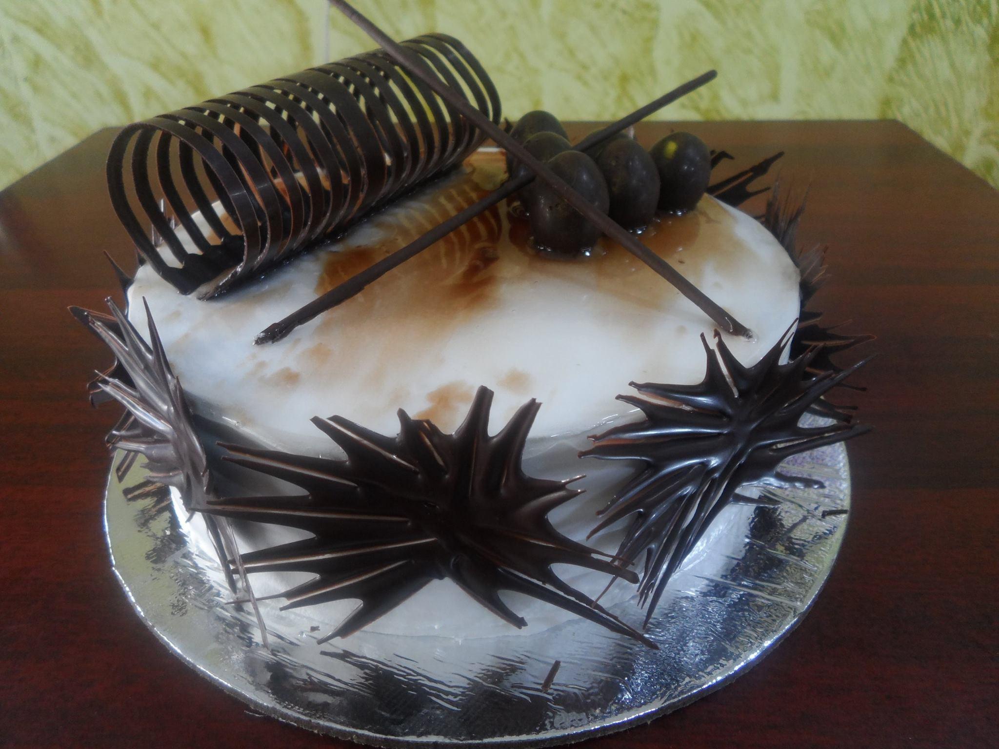 GRAND CHOCOLATE CAKE