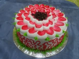 grand-strawberry-cake