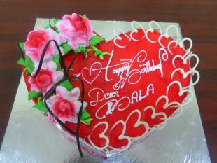 heart-cake-white-chocolate-carvings