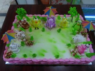 jungle-theme-cake