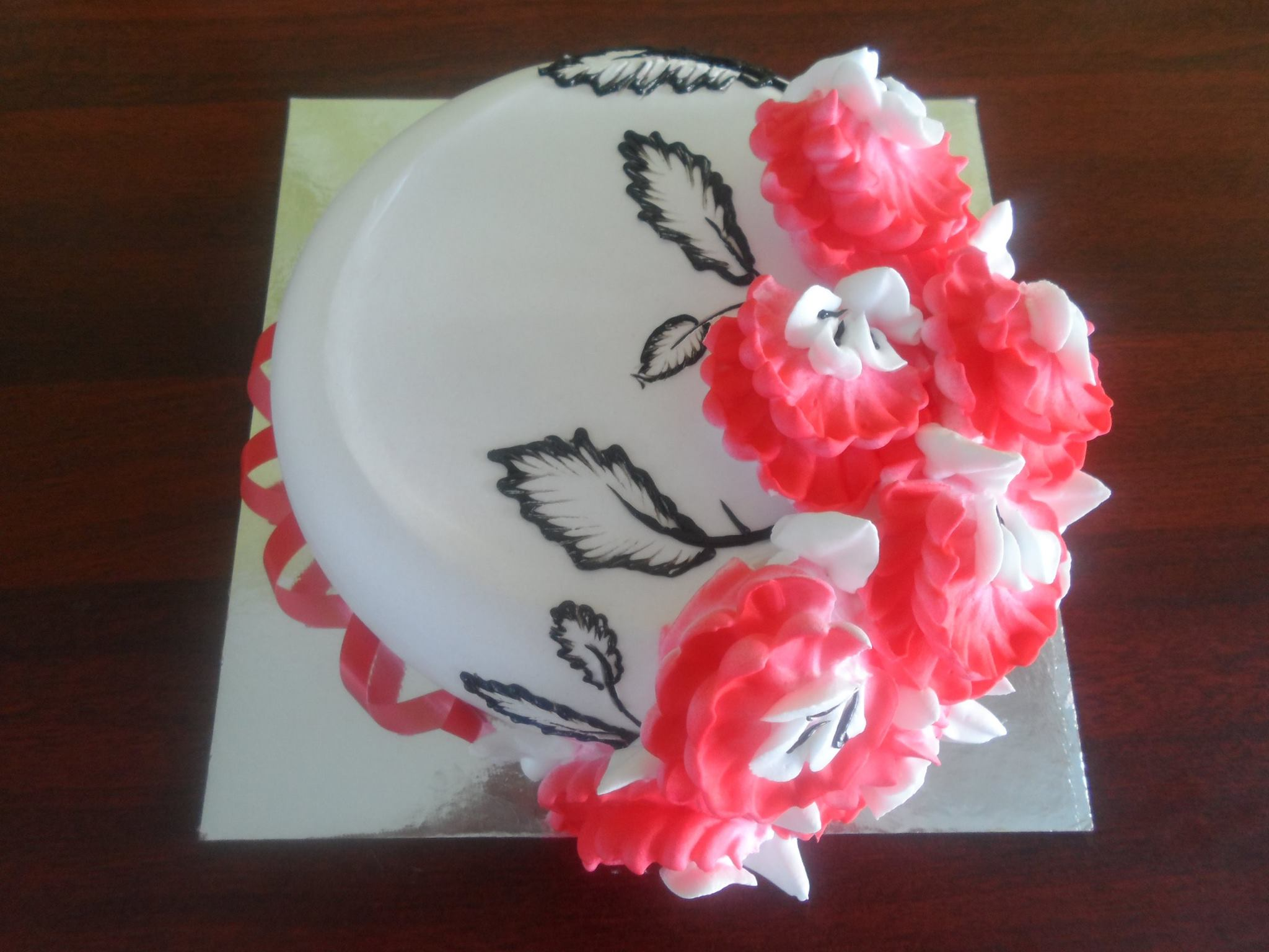 maccho strawberry flower cake