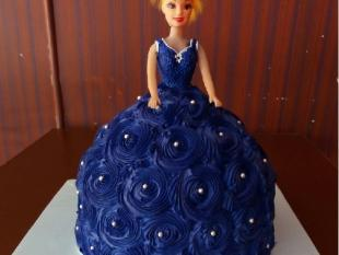 purple-barbie-doll-themed-cake
