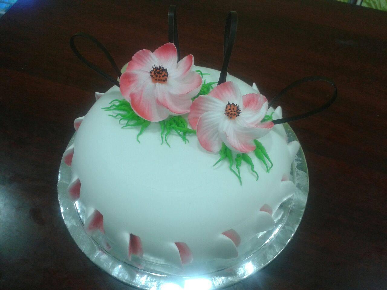 Rich dome cake