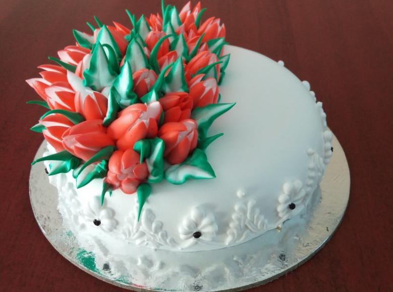 russian flower theme cake