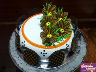 stunning-choco-flower-dome-cake
