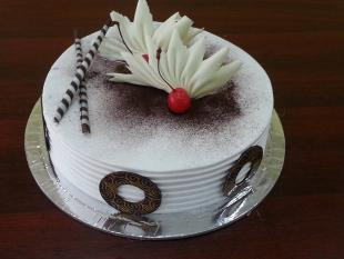white-forest-choco-carving