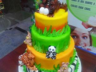 zoo-theme-birthday-cake